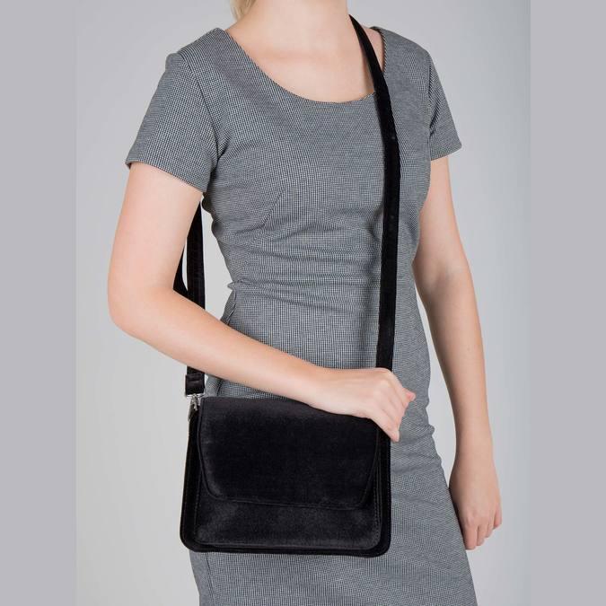 Zamatová dámska Crossbody kabelka bata, čierna, 969-6662 - 18