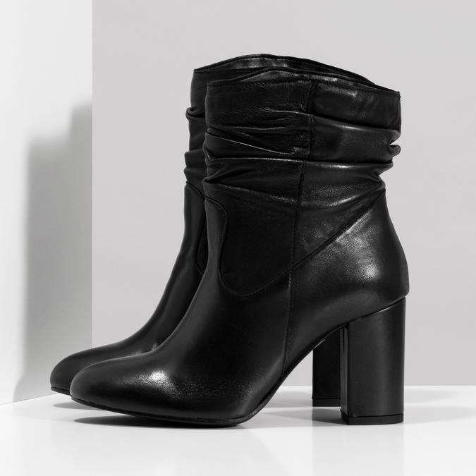 Čierne kožené čižmy s riasením bata, čierna, 794-6663 - 16