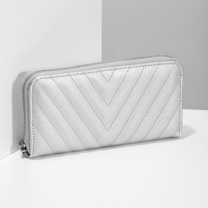 Strieborná prešívaná peňaženka bata, strieborná, 941-1218 - 17